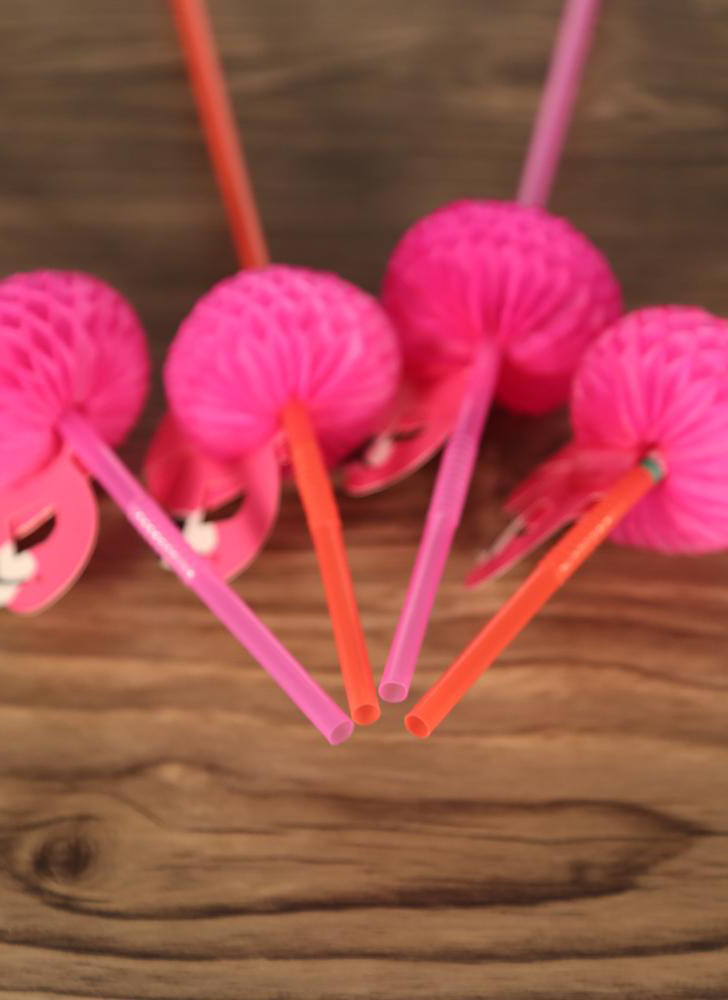 50pcs/set Cute Plastic Straws Birthday Wedding Baby Bouquet Celebration and Party Multifunctional Straws with Flamingo Decoration