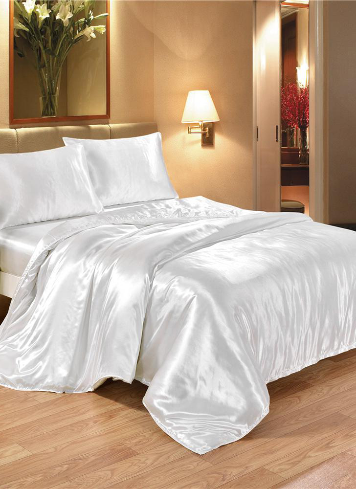 Silk bedding set, well-made, soft and silky quilt cover and pillowcase set, good home textiles.